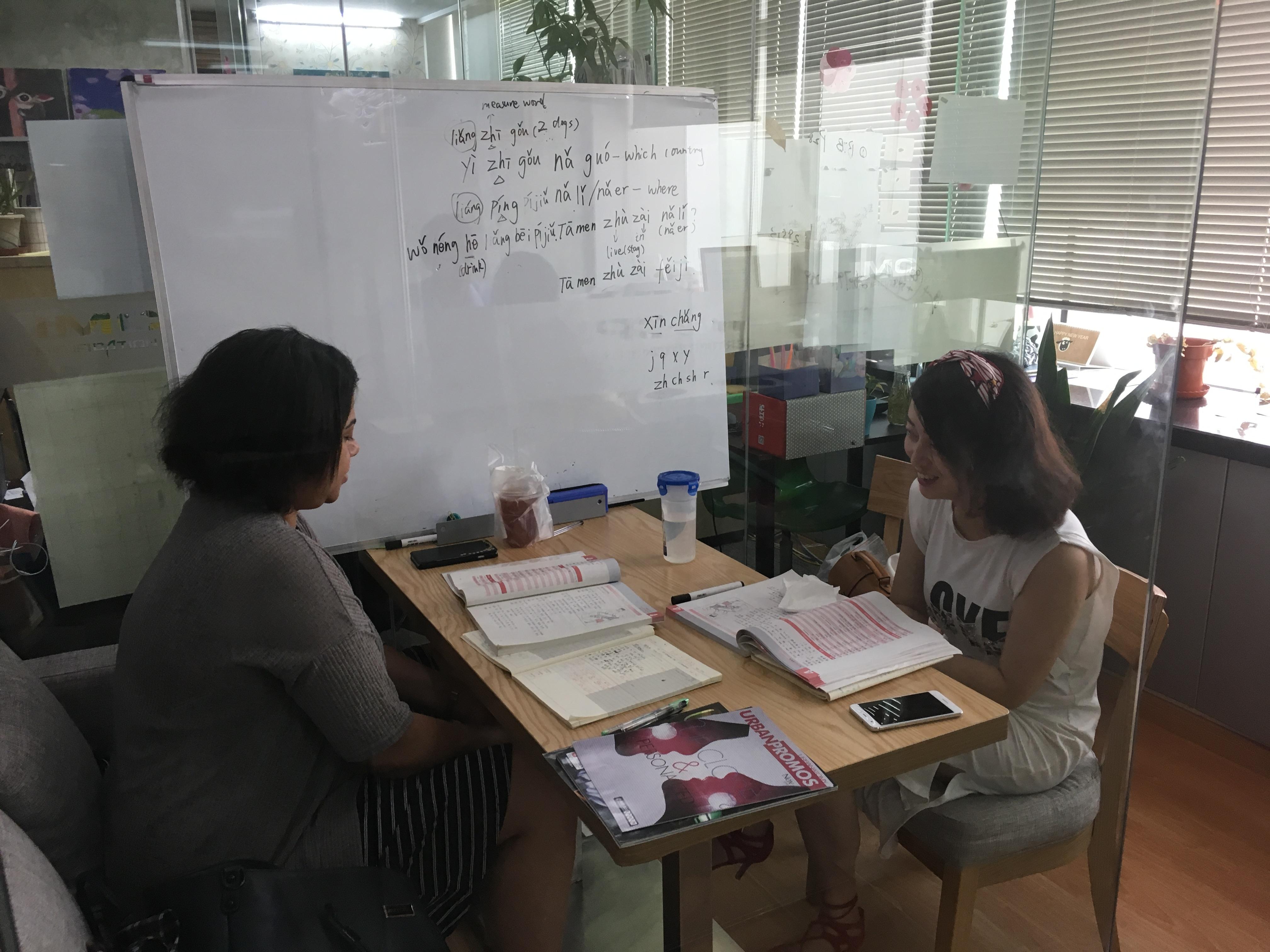 夏日炎炎也挡不住老外们的汉语学习热情