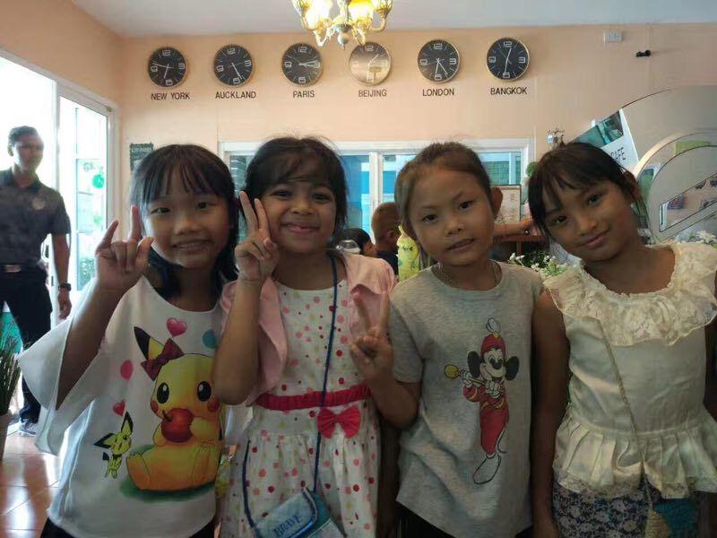 泰国学生们