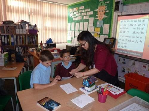 教英国学生中文