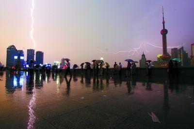 雷雨交加.jpg