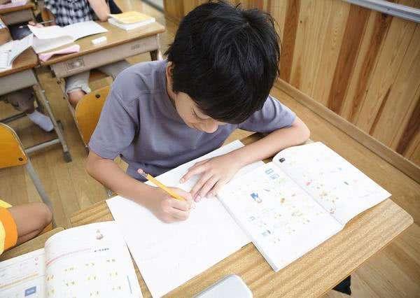对外汉语教师:父母是孩子的榜样