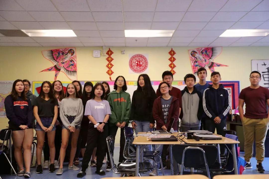 """""""在芝加哥学区,汉语成为第二大外语"""""""